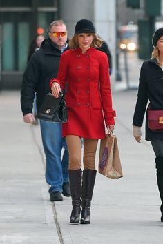 Tayor Swift looks so cute in one of Gigi Burris's hats!  In New York City on January 17, 2015. Getty  - ELLE.com