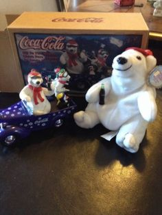 Coca-cola-Off-to-the-Slopes-1938-Bantam-Bank-with-Bears-Beanie-Bear-Included