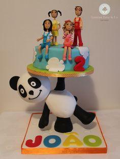 bolo panda passo a passo - Pesquisa Google Canal Panda, Bolo Panda, Cake Structure, Panda Party, Toblerone, Birthday Parties, Salvador, Kids, Cakes