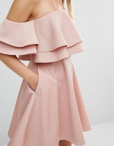 Discover the latest fashion & trends in menswear & womenswear at ASOS. Hoco Dresses, Types Of Dresses, Dresses For Teens, Dance Dresses, Pretty Dresses, Homecoming Dresses, Dresses Online, Night Outfits, Classy Outfits