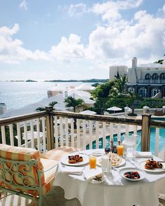 As if brunch in  #Bermuda us ever a bad idea?! Good morning from @rwtuckerspoint. TravelWell #TravelFly.