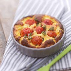 Découvrez la recette Clafoutis aux tomates cerise sur cuisineactuelle.fr.