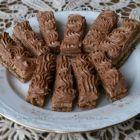 Bastonase cu nuci si ciocolata