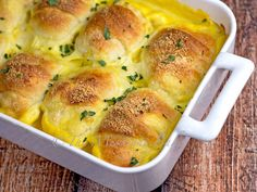 ❤️CHICKEN CRESCENT BAKE ❤️ This chicken crescent casserole is a real family pleaser–and uses leftover chicken! We love this recipe. It's so simple to make and reheats well if you ha… Healthy Recipes, Meat Recipes, Cooking Recipes, Casseroles Healthy, Turkey Recipes, Rice Recipes, Dinner Recipes, Crescent Roll Recipes, Casserole Dishes