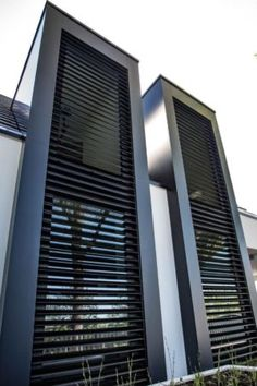 Modern Shutters, Outdoor Shutters, Outdoor Blinds, House Windows, Facade House, Exterior Blinds, Bahama Shutters, Building Stairs, Hotel Room Design