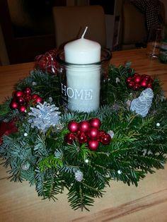 Christmas Wreaths, Holiday Decor, Home Decor, Xmas, Christmas Garlands, Homemade Home Decor, Holiday Burlap Wreath, Decoration Home, Interior Decorating