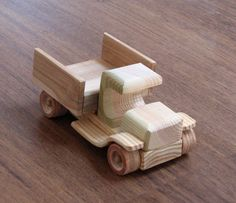 Wendy The Vintage Car - Old Style Wooden Toy Pickup Truck, Natural Finish, For…