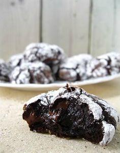 Φτιάχνουμε εύκολα, νόστιμα υγρά μπισκότα σοκολάτας!