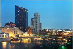 Planning your vacation to Grand Rapids, Michigan? Find information on hotels, restaurants, events and things to do and experience what makes us different.