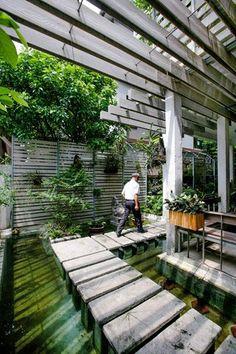 รูปภาพ ไอเดียการรีโนเวทบ้านร้าง กลายร่างเป็นออฟฟิศกลางสวนธรรมชาติ ทั้งหมด 25 รูป สุขภาพ