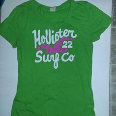 Hollister Large Shirt In good condition.  Reasonable offers accepted. Hollister Tops Tees - Short Sleeve
