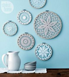 Style at Home managing editor and resident crafter Catherine Therrien shows you how to update Grandma's doilies to create wintry wall art. home on a budget DIY project: Wintry wall hangings Doilies Crafts, Paper Doilies, Crochet Doilies, Crochet Mandala, Diy Crochet, Fabric Crafts, Diy Crafts, Diy Design, Wall Design