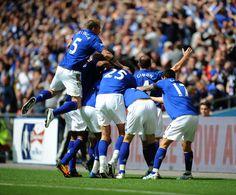 Everton players celebrate their goal