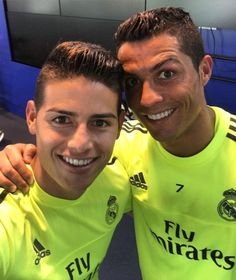 #James en IG: Parabéns mano. happy Birthday bro.