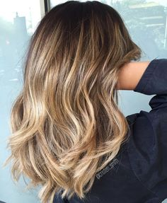 Here's Every Last Bit of Balayage Blonde Hair Color Inspiration You Need. balayage is a freehand painting technique, usually focusing on the top layer of hair, resulting in a more natural and dimensional approach to highlighting. Cabelo Rose Gold, Cabelo Ombre Hair, Ashy Blonde Balayage, Hair Color Balayage, Balayage Highlights, Bayalage, Ash Blonde, Medium Balayage Hair, Highlights 2017