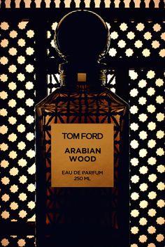 "Un grand flacon de parfum ""Arabian Wood"" de Tom Ford"