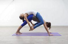 Partner Yoga - Acro Yoga - Yoga - yoga for beginners Couples Yoga Poses, Acro Yoga Poses, Partner Yoga Poses, Group Yoga Poses, Yoga Moves, Ashtanga Vinyasa Yoga, Yoga Nidra, Kundalini Yoga, Yoga Meditation