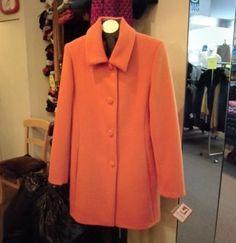 Halblanger orangefarbener #Damenmantel, #100% #Babyalpakawolle  In allen Größen lieferbar