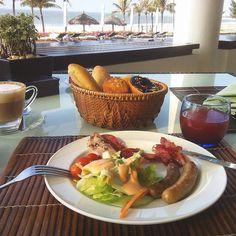 Breakfast #breakfast #goodmorning #tasty #travel #tagsforlikes #vietnam #vietnamese #bacon #salad #sausage #ham #peperoni #bread #watermelon #juice #coffee #beach #beautifulday #beautifulview #seaview #princessdannamresort #instagram #instadaily #instagood #perfect #photooftheday by meo.yuki