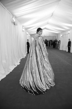 Drama, drama, drama. Looks like a shot from the 60s, but it's from the Met Gala 2012.
