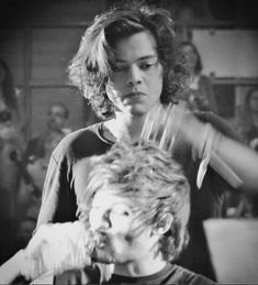 Harry Styles Hair, Harry Styles Cute, Harry Styles Pictures, One Direction Pictures, Harry Edward Styles, Harry Styles 2014, Prince Hair, Harry 1d, Mr Style