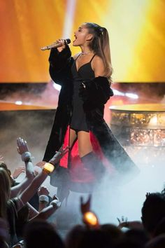 Ariana Grande Radio Disney Music Awards 2016