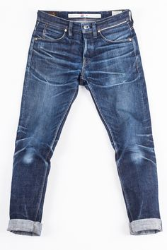 RHT - 11 months, 1 wash Head over to our 'Fade Gallery' for more info / photos! Raw Denim, Denim Jeans Men, Jeans Pants, Man Jeans, Denim Shirts, Jeans Diesel, Estilo Jeans, Bermudas Shorts, Mens Designer Shirts