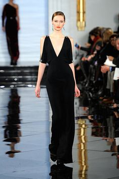 I hope I see this one at the Oscars. Perfection @ Ralph Lauren.