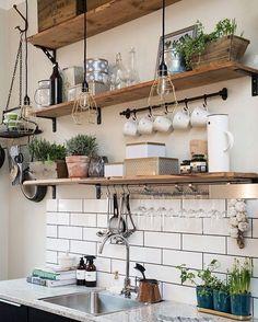 Kitchen goals!☀️ #interiordesign #edison #tbt #light #lamp #industrial #handmade…