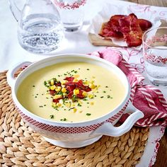 Corn cream soup with ham chips recipe Pasta Recipes, Soup Recipes, Ham Soup, Chips Recipe, Ratatouille, Cheeseburger Chowder, Bbq, Goodies, Veggies