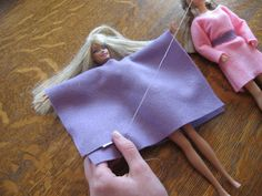 Almost Unschoolers: Simple Felt Barbie Clothes