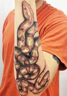 Tattoo Schlange Snake Tattoo Artist - Yomico Moreno - tattoo