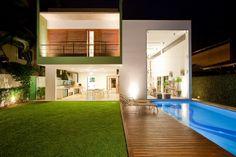 #Architect Flavio Castro has designed the Acapulco #House in São Paulo, Brazil.