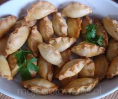 Pierożki pieczone po mazursku (ze świeżą białą kiełbasą)
