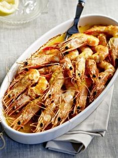 Greek Recipes, Fish Recipes, Salad Recipes, Recipies, Prawn Fish, Fish And Seafood, Food Wishes, Food Decoration, Seafood Dishes