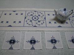 Royal Copenhagen, Cross Stitch Embroidery, Cross Stitch Patterns, Blue And White Living Room, Fair Isle Knitting, Danish Design, White Porcelain, Printable Art, Decorative Boxes
