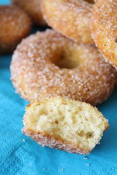 Pienet herkkusuut: Ne parhaat uunissa tehtävät donitsit! Baking Recipes, Dessert Recipes, Desserts, Sweet Bakery, Swedish Recipes, Sweet Pastries, Pastry Cake, Pasta, Food And Drink