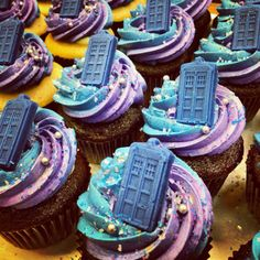 Doctor Who chocolate cupcakes Doctor Who Birthday, Doctor Who Party, Doctor Who Wedding, Doctor Who Cupcakes, Dr Who Cake, Chocolate Cupcakes, Chocolate Molds, Let Them Eat Cake, Amazing Cakes