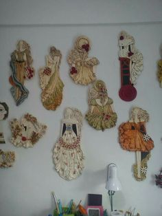! Ceramic Wall Art, Ceramic Clay, Paper Dolls, Art Dolls, Pottery Angels, Clay People, Sculpture Painting, Flower Oil, Hanging Art