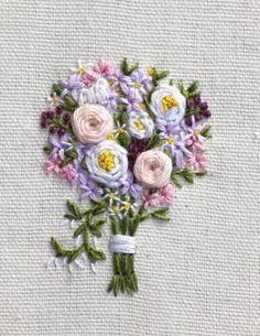 Bouquet fleur, ruban broderie