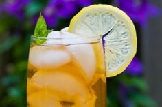 Iced Tea - earl grey with honey, orange juice and mint!