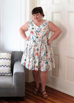 Review of Cashmerette Upton Dress by Jennifer, in quilting cotton - it's a great fit-and-flare dress for plus sizes, in sizes 12 - 28 and cup sizes C - H.