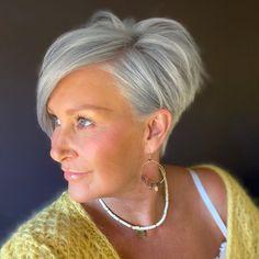 Short Stacked Bob Haircuts, Bob Haircuts For Women, Haircut For Older Women, Short Hair Older Women, Haircuts For Fine Hair, Older Women Hairstyles, Short Stacked Bobs, Pixie Bob Hairstyles, Haircut Styles For Women