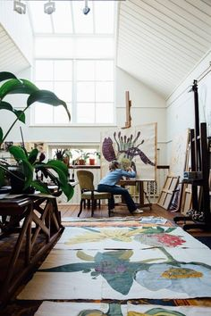 Artists' Houses Sarah Graham London - Studio - Take a look around the beautiful homes and inspiring studios of our favourite artists - interiors on HOUSE by House & Garden<br> Appartement Design Studio, Studio Apartment Design, Art Studio Design, Interior Rugs, Interior Design Studio, Interior Ideas, Interior Sketch, Interior Plants, Cafe Interior