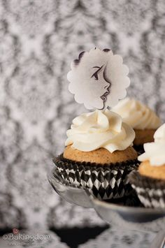 Black-Tea-Cupcakes-with-Honey-Lemon-Buttercream by Bakingdom