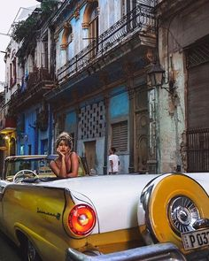 Havana is the most exciting and intriguing city in the Caribbean. Visit Havana the one of Seven Urban Wonders of the World. Havana Cuba, Havana Vieja, Vintage Cuba, Vintage Havana, Cuba Fashion, Foto Fashion, Cuba Honeymoon, Cuba Outfit, Cuban Cars