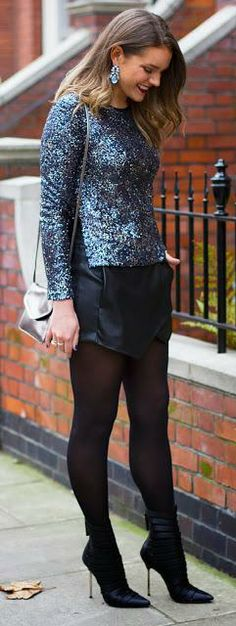 What To Wear To Your Christmas Party - Look #1   http://www.theelginavenue.com/2013/12/dazzle-dust-what-to-wear-to-your.html