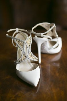 Glamorous wedding shoes idea; Photo: Blumenthal Photography