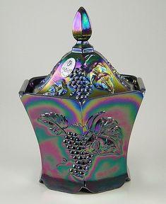 Fenton Glass Prices   Fenton Glass Grapes Candy Box - photo copyright 2011 CollectiblesRome