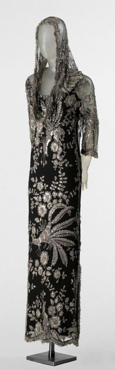 James Gallanos F/W 1962. Silk, lace, sequins, beads, rhinestones, and crystal drops. (Philadelphia Museum of Art)